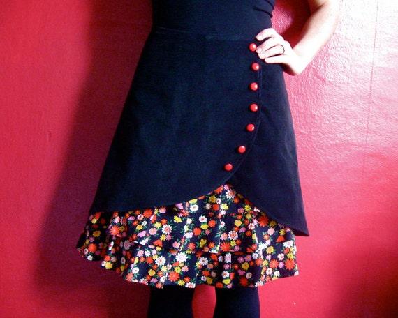 Flirty Floral ruffle front skirt Sz 4