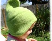 chapeau de crème glacée swirly vert LICHEN elfique