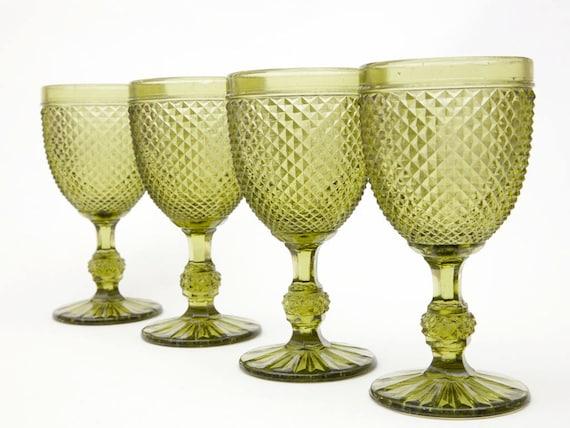 SALE Set of Four Vintage Green Wine Glasses Diamond Pattern, vestiesteam