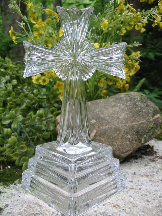 NEW in Box LENOX Lead Crystal Wedding Promises Cross for Centerpiece Display Supplies