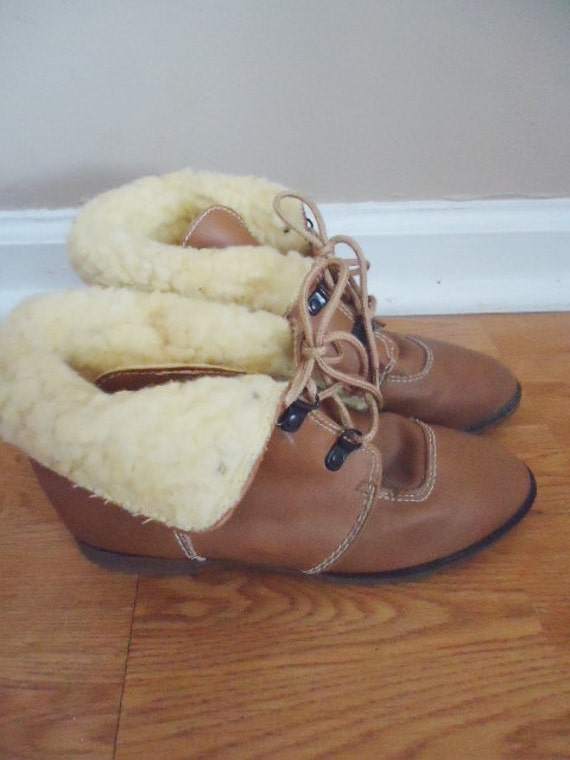 vintage brown sherling and leather  fold down  granny lace up boots size 5 m