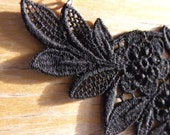 Black Flowered Lacy Necklace