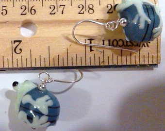 adorable Sterling Silver wired glass lampwork froggy earrings