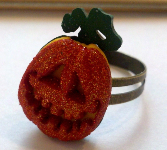 Antique Brass Adjustable Ring with a Glittery Pumpkin