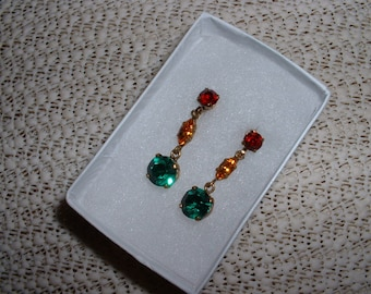 Vintage Dangle Earring Emerald Topaz and Ruby Colored Crystals set in Gold Austria  Sale