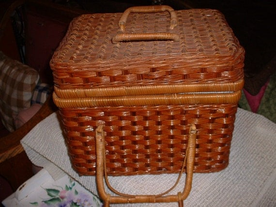 Vintage Square Wicker Picnic Basket with blue plastic dishes
