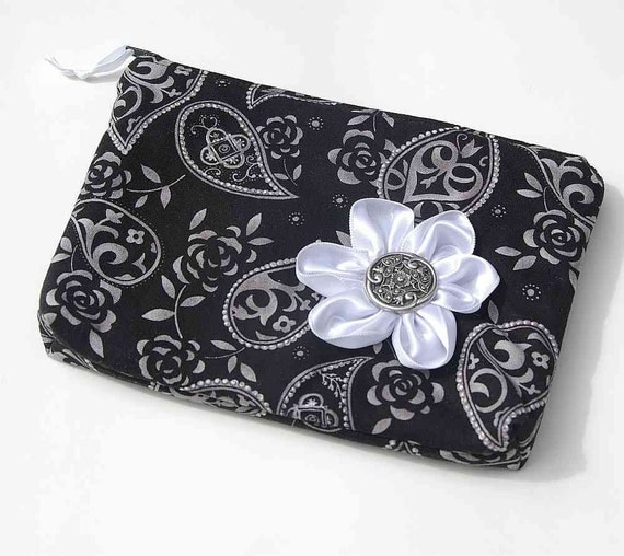 Jewelry organizer protects anti tarnish polishing cloth for Anti tarnish jewelry bags