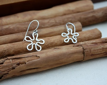 Flowers Sterling Silver Earrings. Spring. Summer. Flowers. Silver flower. Minimalist. flower. abstract.Minimalist.