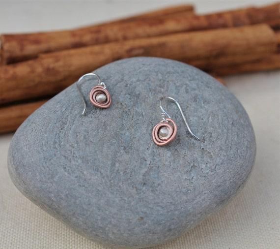 Copper and sterling silver mini Nest earrings. Small nest. Copper earrings. warm color. matte brushed finish. Little copper earrings. OOAK