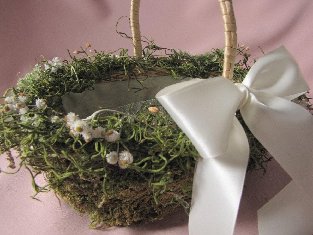 Flower Girl Basket Moss : Moss and herb flower girl basket
