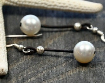 Pearl and Leather Earrings Water Drop
