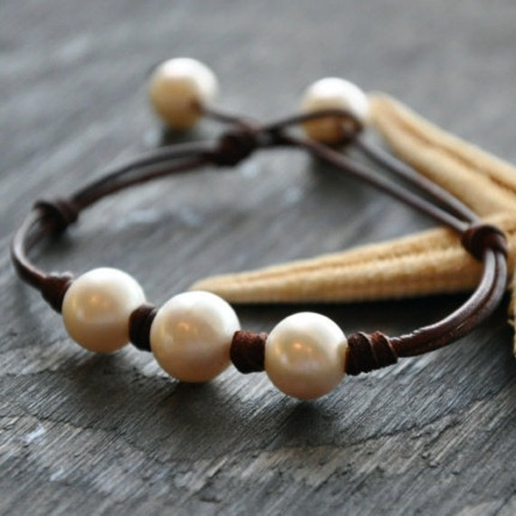 leather and pearls bracelet triune by seamiststudio on etsy. Black Bedroom Furniture Sets. Home Design Ideas