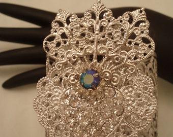 Elegant Rhinestone Burning Heart Ex Voto Cuff Bracelet