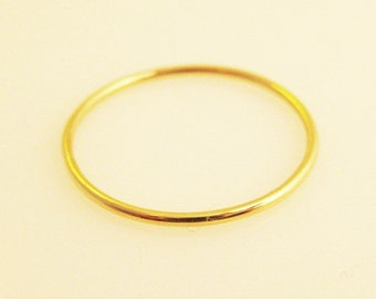 Simple Sol, a 14k Gold Band