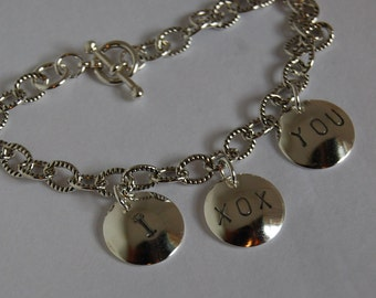 Charm Bracelet Sterling Chain Kisses and hugs - I XOX You I love you - kisses-7""