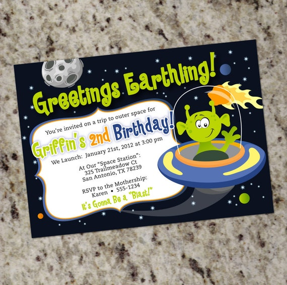 Alien birthday party invitations space alien outer space for Space themed stationery