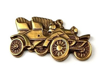 2 pcs  Antiqued Brass Ox plated old fashioned Car Charms Automobile 19th 20th century auto transportation steampunk