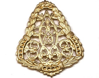1 pc Filigree Heraldic Focal Connector Shield Triangle Victorian Crest  Edwardian Baroque Stamping Finding Pendant