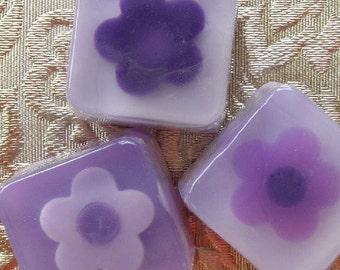 Huckleberry Scented Mini Glycerin Soap in purple lavender flower
