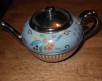 Vintage Gibson Silver Ribbed Tea Pot