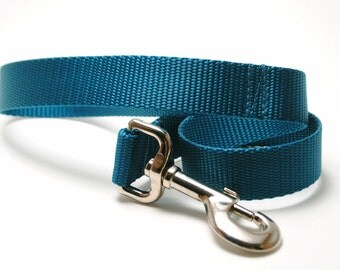2 Foot Solid Traffic Leash / Nylon Webbing / Short Leash for Training