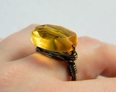 Amber Topaz Ring, Jewelry Rings, Cocktail Rings, Mustard Ring, Glass Topaz Bead, Yellow, Banana, Rustic Ring, Oval, Golden, Ring Size 8.25