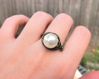 Pearl Ring - Jewelry Rings - Light Cream Swarovski Pearl Ring - Brass Otter Brown Beige Ring - White Pearl Cocktail Rings - Pearl Jewelry