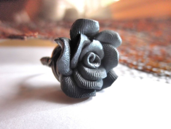 Cocktail Ring - To Order - Black Clay Rose Bead - Flower, Gun Metal, Brass, Otter Brown, Bronce, Rustic, Floral, Autumn, Dark, Fall, Jewelry