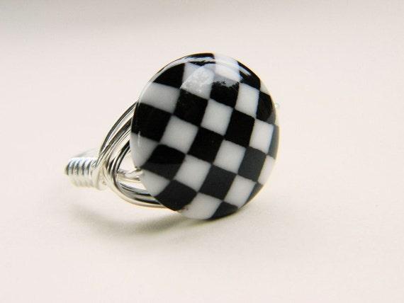 Black and White Ring - Size 7 . Glass Disc - Geometric, Geo, Squares, Figures, Elegant, Flat, Round, Geometry, Two Tones, Feminine, Silver