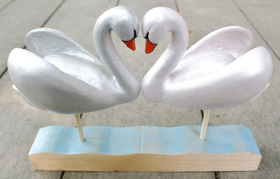 Wooden kissing love swans wedding cake topper - hand carved -  marry me, get married, wedding anniversary gift, Ready to ship