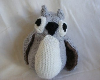 Knitted Owl Plushie