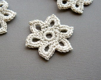 5 Crochet Flower Appliques -- 1-3/8 inch Diameter, in Natural Beige
