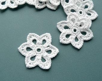 5 Crochet Applique Flowers -- 2 inch diameter, in White
