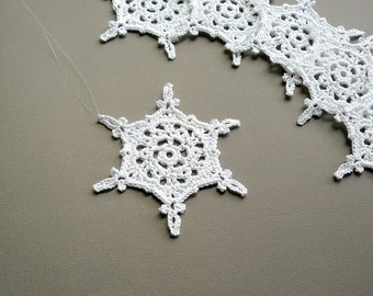 6 Christmas Ornaments -- Large Crochet Snowflake B87, in White