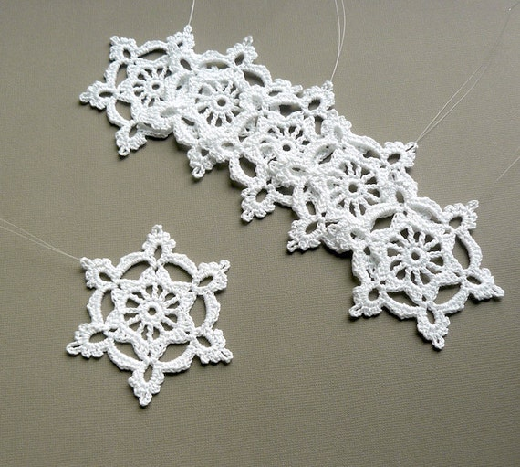 6 Crochet Snowflake Ornaments -- Large Snowflake B84, in White