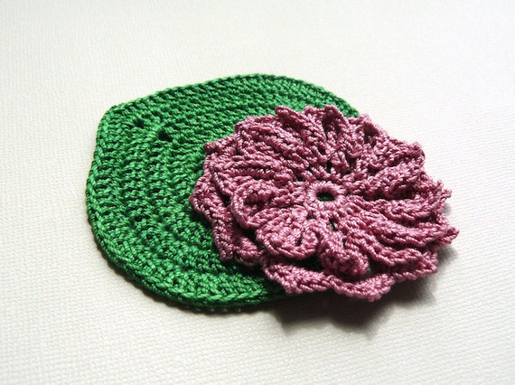 1 Crochet Water Lily Applique -- Green Lily Pad with Dusty Rose Water Lily