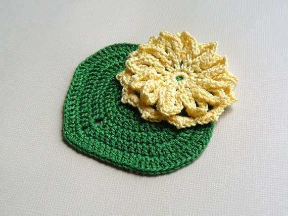 1 Crochet Lily Pad Applique -- Green Lily Pad with Yellow Water Lily