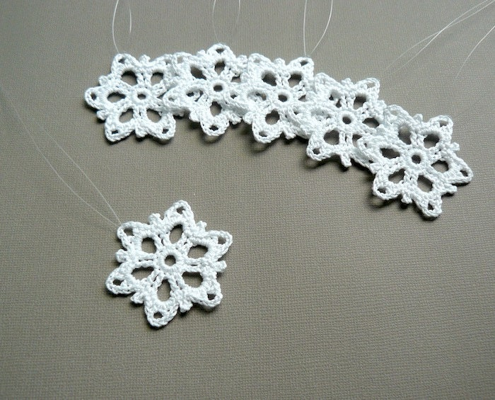 Crochet Snowflake : Christmas Decor 6 Small Crochet Snowflakes by CaitlinSainio
