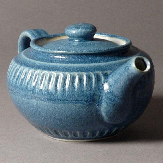 Teapot medium deep blue with inscribed stripes