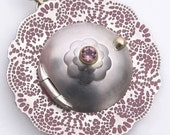 Doily Locket - pink