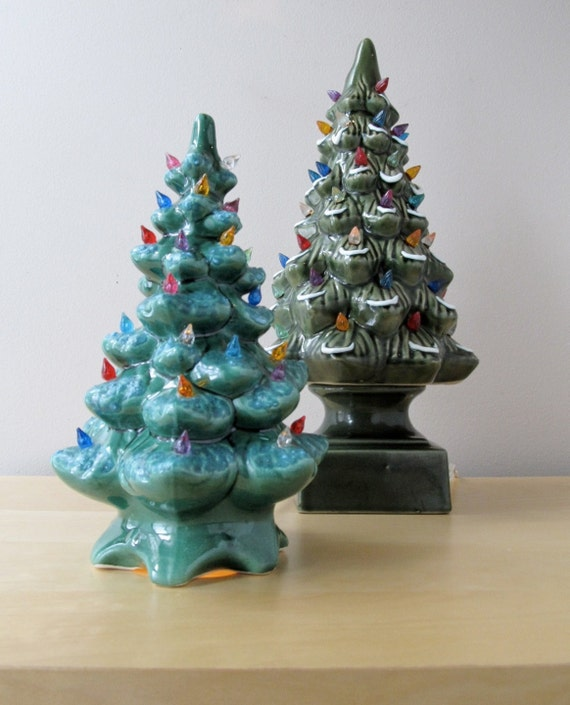 vintage ceramic christmas tree with lights holiday sale. Black Bedroom Furniture Sets. Home Design Ideas