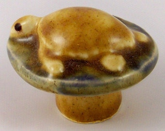 Sea Turtle Drawer Pull and Cabinet Knob - Creamy Caramel