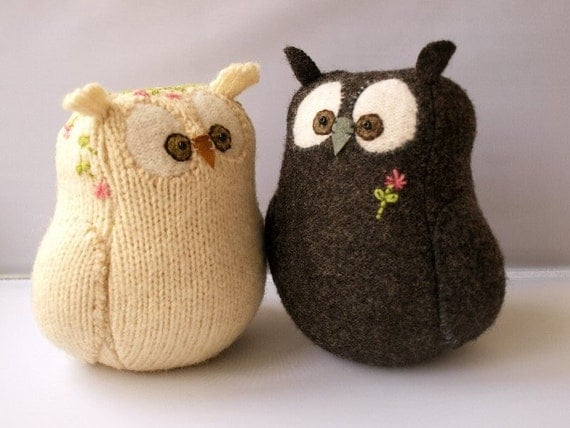 Eco Wedding Cake Topper I  Do Owlcouple in Grey and Natural White from Upcycled, Felted Wool