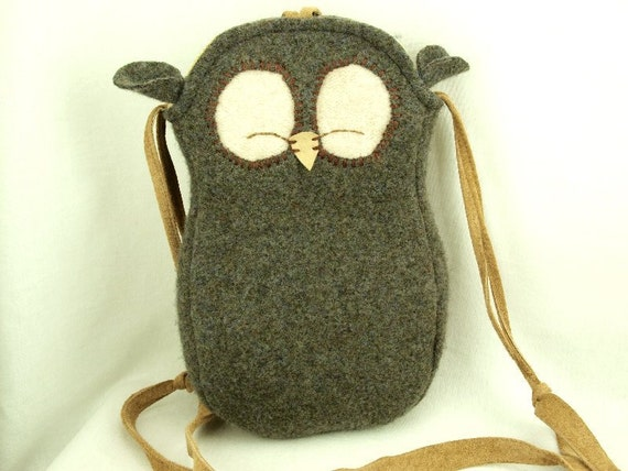 """Owl Shoulder Bag Wool Messenger Bag in Grey Brown and Natural White with Adjustable Leather Strap Linen Lining Height 10.6"""""""