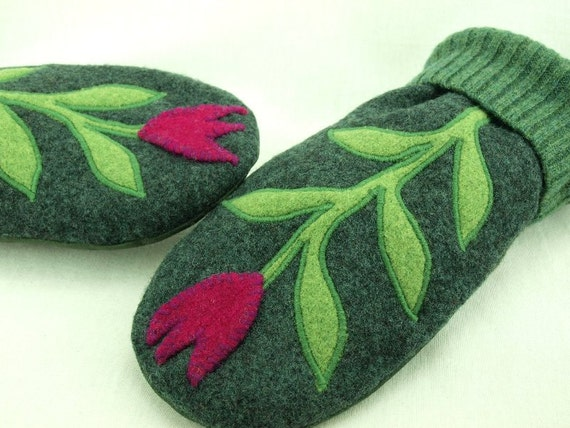 Mittens Wool Recycled Wool Mittens with Flower Applique in Green and Pink Fleece Lining Leather Palm Up Cycled Eco Friendly