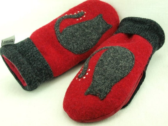 Cat Mittens from Felted Sweater Red and Black Cat Applique Leather Palm Fleece Lining Eco Friendly  Up Cycled  Size S