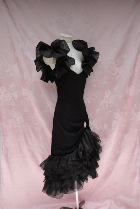 The 80s Prom Dress / Vintage 1980s Black Ruffle Tango Flamenco Prom Party Dress by Susan Roselli for Vijack Size M