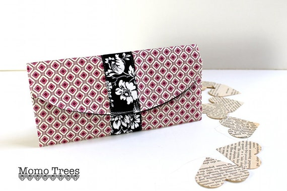 BiFold Women's Wallet - Credit Card Wallet - Pink and Black - Geometric Pattern