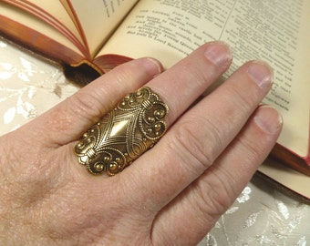 Brass Flourishes Finger Shield Armor Ring