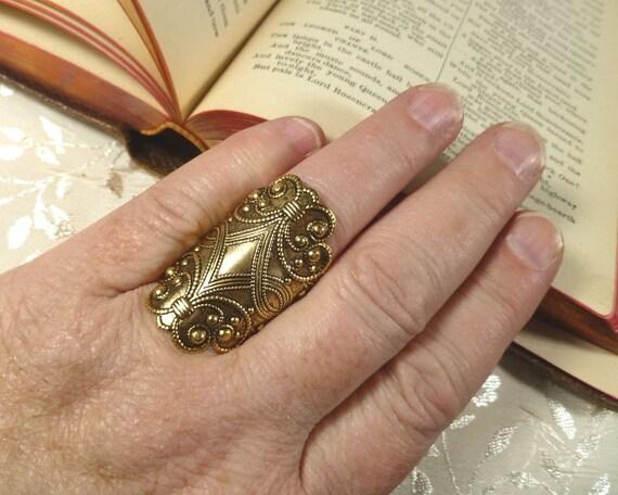 Brass Flourishes Finger Shield Armor Ring